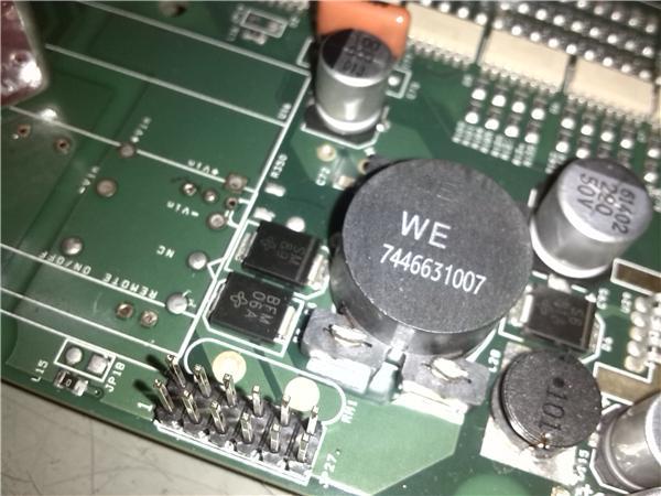 回复内容: 对: gkong1_30 这个防反接二极管量过没,直接是在24伏正负端的,容易直... 内容的回复! 高人再此啊!感谢网友gkong的指点!故障就在此,我焊开此二极管的一管脚后单独测量果然是击穿了,上电试机终于OK了,有一点搞不懂,二极管并联电源作用是什么??防反接不是应该要串联在电源上吗?现在取消此管子会有什么影响吗?现在找不到一样的管子也不知道要找哪种二极管可以替代的?现在还有个问题:显示屏的背光灯不亮了,拆下背光灯(背光灯驱动板DCIN12V正常)发现CCFL灯管两端发黑,百度一下知道两
