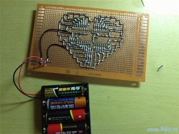 纯手工焊接32位led心形流水灯,制作过程图片