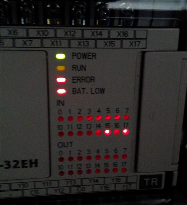 台达的PLC DVP-32EH ERROR闪耀□