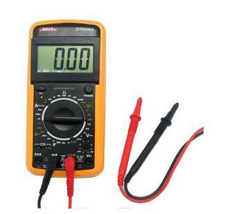 经万用表黑表笔流出,再流入被测线路中接通电路