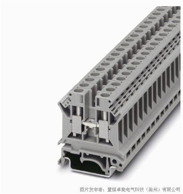 此系列独特的紧凑型设计,端子具有通用安装固定卡脚,可以安装在U型导轨TS-35和G型导轨TS-32上。 封闭型额螺丝导引孔,能提供理想的螺丝刀操作使用。 对于多个截面等级的端子都配备有配件,如隔板,分组隔板等,使用灵活可靠。 采用全新设计的压线框接线方式,耐震动,防松脱,接触面积大信赖度高。 电位分配可同时,通过接入端子中央的插拔式横联及边插式桥接件来实现。 产品符合CQC及UL1059国际标准并取得UL,CQC等认证  如需了解更多信息,请访问(置恒卓能电气科技(滁州)有限公司)官网