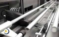 力纳克工业系列 - 棒材送料机的电动推杆应用