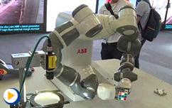 2016ABB自动化世界--看YuMi双臂协作机器人如何解魔方