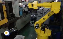 猜猜看图灵机器人在注塑机身边扮演着什么角色?