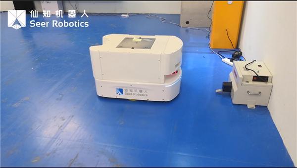 基于AMB的潜入顶升机器人自主充电