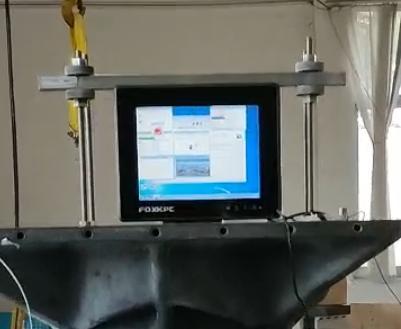 富士康工业平板电脑,模拟震动环境下满负荷运行