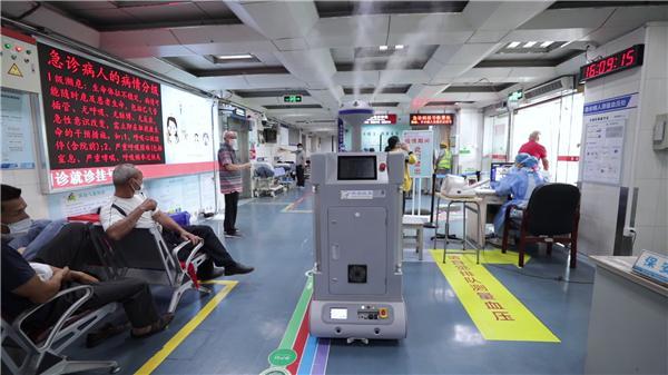 科瑞 消毒机器人医院实拍