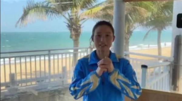 滑水世界冠军陈莉莉-工控网与世界冠军陪你一起就地过年